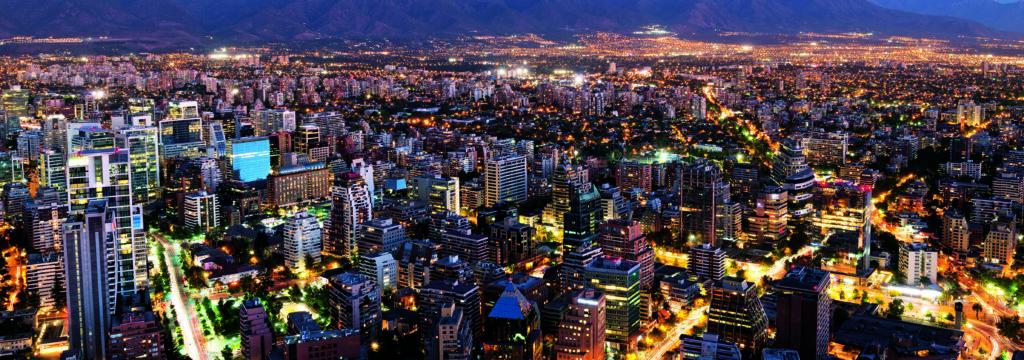 fotografía muestra una ciudad en el atardecer smart city