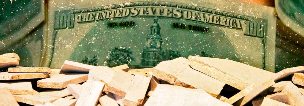 en la fotografía un billete de 100 dólares