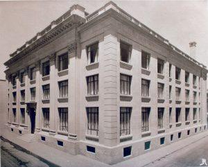 Fotografía antigua del edificio del Banco Central de Chile